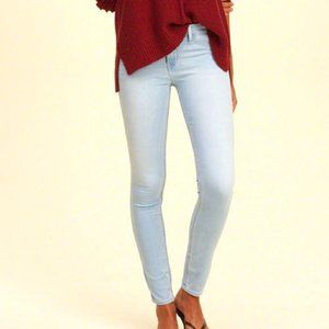 HOLLISTER Low Rise Light Wash Skinny Jeans